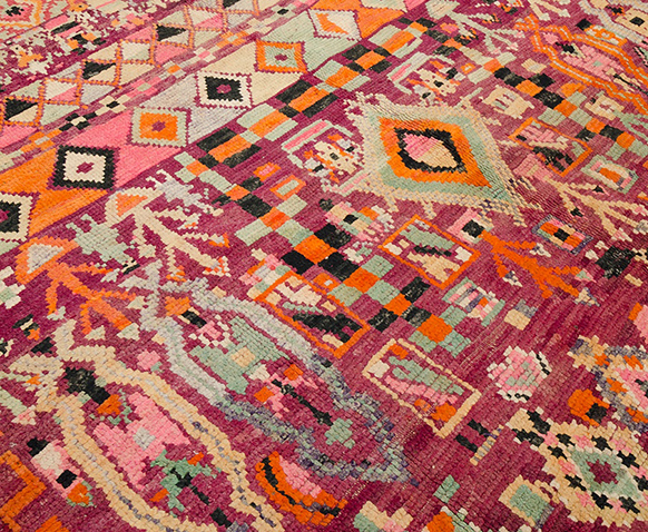Classic vintage Boujad rug from the 1940s