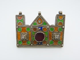 Ancient herz amulet with enamelling